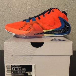 NIKE ZOOM FREAK 1 TOTAL ORANGE/MIDNIGHT ALL BROS